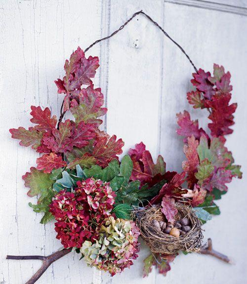<p>This wreath can be adapted for a variety of leaves and blooms. Use dried white oak leaves, dried or faux hydrangea, and small branches. </p>