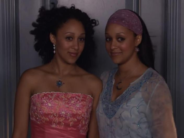 twitches alternate ending