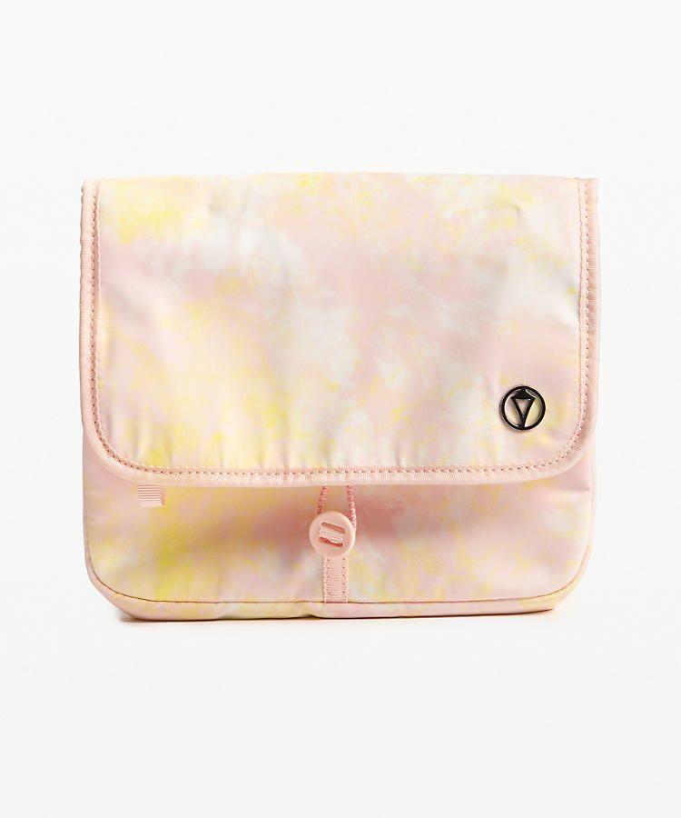 """<p><strong>Lululemon</strong></p><p>lululemon.com</p><p><strong>$28.00</strong></p><p><a href=""""https://go.redirectingat.com?id=74968X1596630&url=https%3A%2F%2Fshop.lululemon.com%2Fp%2Fgirls-bags%2FHang-With-Me-Travel-Kit%2F_%2Fprod9370147&sref=http%3A%2F%2Fwww.womansday.com%2Flife%2Ftravel-tips%2Fg3239%2Ftravel-gifts-women%2F"""" rel=""""nofollow noopener"""" target=""""_blank"""" data-ylk=""""slk:SHOP NOW"""" class=""""link rapid-noclick-resp"""">SHOP NOW</a></p><p>One can never have too many travel kits to store their beauty and skincare products. </p>"""