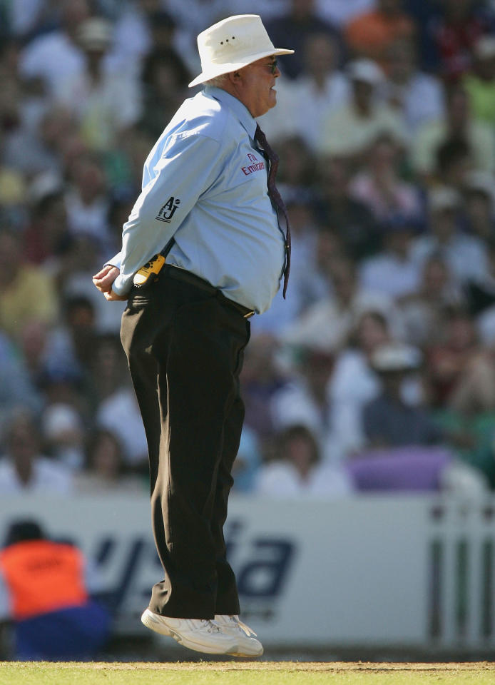 "LONDON - JULY 12:  Umpire David Shepherd signals the ""Nelson"" for the last time in an international match as the Australian score reaches 222 during the NatWest Challenge One Day International match between England and Australia played at The Oval on July 12, 2005 in London, United Kingdom (Photo by Hamish Blair/Getty Images)"