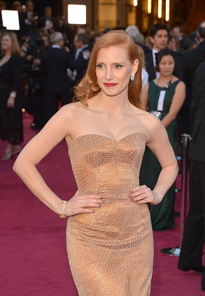 "Jessica Chastain - The ""Zero Dark Thirty"" best actress nominee looked drop-dead gorgeous in a light bronze Armani Prive gown, but it was her 1960's Harry Winston bracelet and glamazon diamond earrings that had us cooing with sparkly envy.<br /><br />"