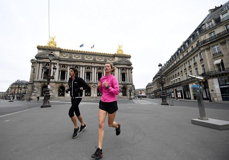 La mairie de Paris interdit le jogging en journée (Photo: @AFP)
