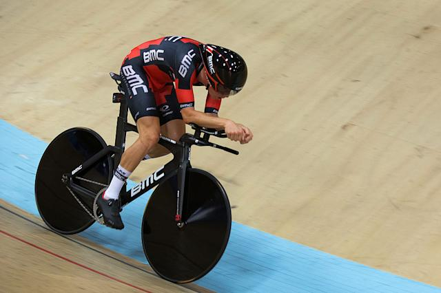 Rohan Dennis en route to his 2015 Hour Record of 52.491km