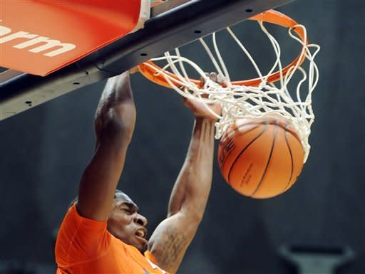 Illinois' Brandon Paul (3) dunks the ball against Western Carolina during the first half of their NCAA college basketball game, Tuesday, Dec. 4, 2012, in Champaign, Ill. (AP Photo/Heather Coit)