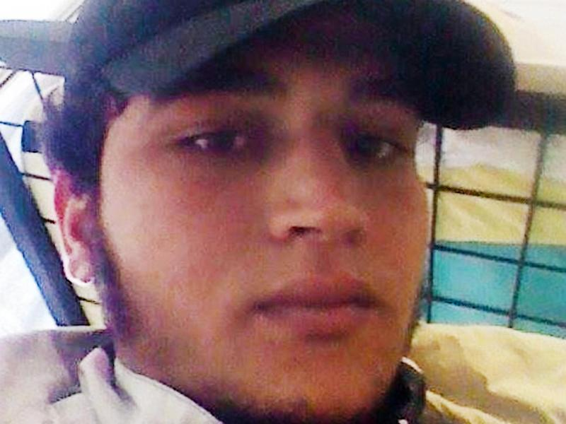 Anis Amri, the Berlin attacker, messaged a contact just before launching his attack (Facebook)