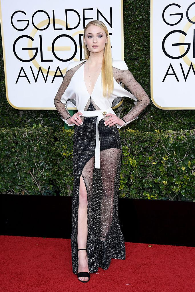 Sophie Turner wore Louis Vuitton to the 74th Annual Golden Globe Awards. (Photo: Getty Images)
