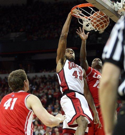 Moser leads No. 14 UNLV over New Mexico 80-63