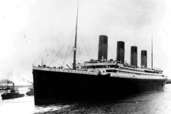Tweeters admit that they didn't think the Titanic was real
