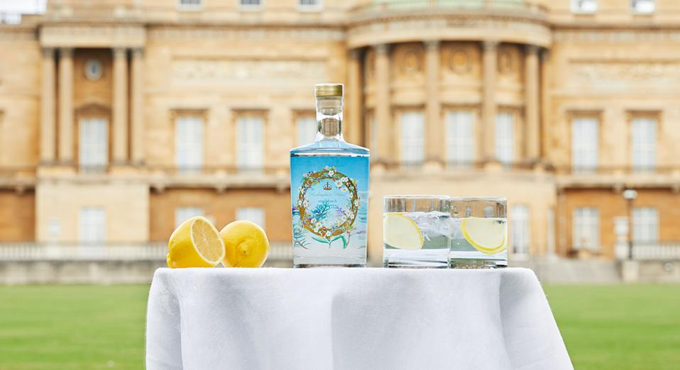 As Buckingham Palace launch their own sell-out botanical gin, we have found alternatives to buy now. (Getty Images)