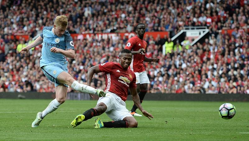 Manchester City's Kevin De Bruyne (left) scored the opening goal in the 2-1 victory over Manchester United at Old Trafford on September 10, 2016 (AFP Photo/Oli Scarff)