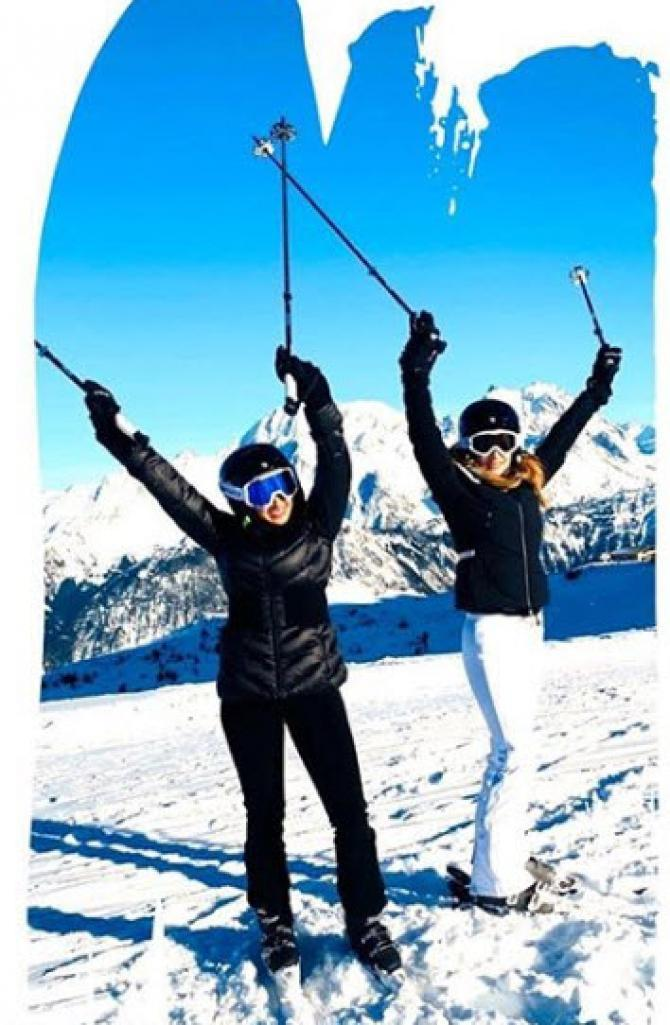 sussanne khan and hrithik roshan vacation