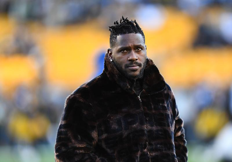PITTSBURGH, PA - DECEMBER 30: Antonio Brown #84 of the Pittsburgh Steelers looks on during warmups prior to the game against the Cincinnati Bengals at Heinz Field on December 30, 2018 in Pittsburgh, Pennsylvania. (Photo by Joe Sargent/Getty Images)