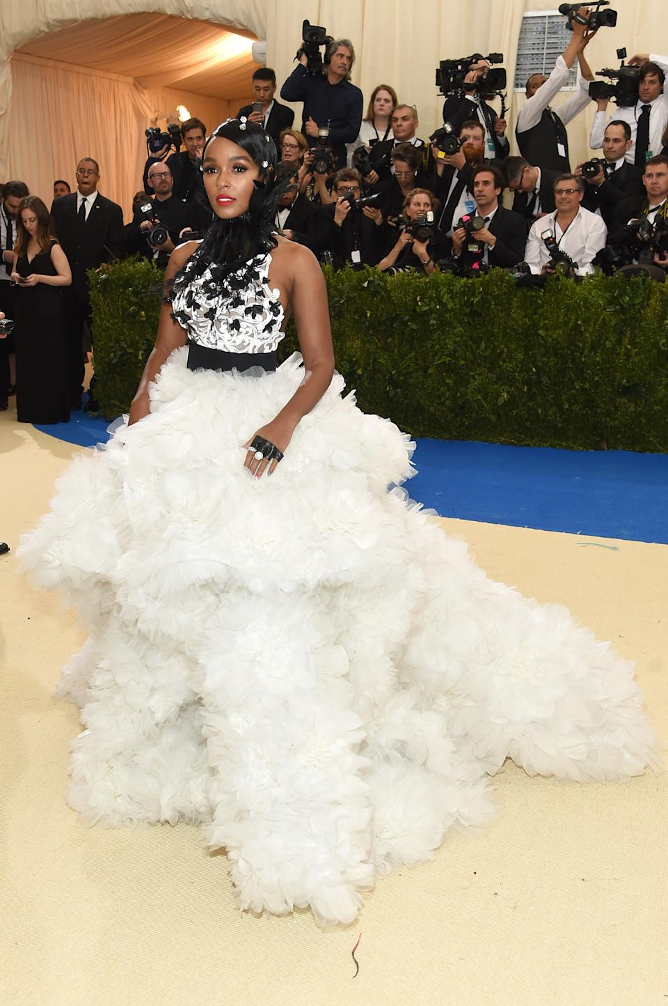 """<h1 class=""""title"""">Janelle Monáe in Ralph & Russo and Tiffany jewelry</h1><cite class=""""credit"""">Photo: Getty Images</cite>"""
