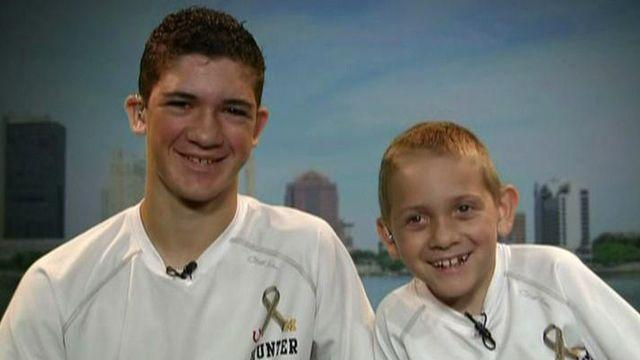 Teen piggybacks brother with cerebral palsy for 40 miles