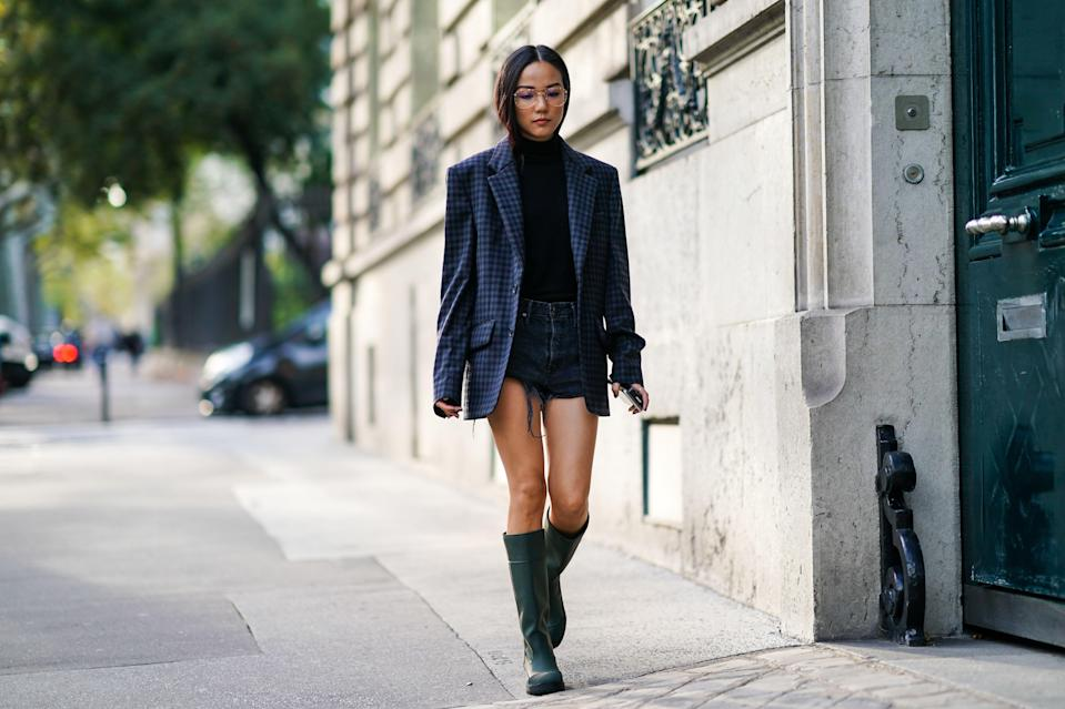 """<p>Let's go back to basics. Everyone wants to look <a href=""""https://www.marieclaire.com/fashion/a34270198/fashion-trends-winter-2020-2021/"""" rel=""""nofollow noopener"""" target=""""_blank"""" data-ylk=""""slk:chic in the winter"""" class=""""link rapid-noclick-resp"""">chic in the winter</a> while staying warm, and the black turtleneck is <em>Marie Claire</em> fashion editors' favorite way to stay stylish and bundled up through the season. Investment pieces like this one should be high quality and stand the test of time, and our all-time favorite black turtleneck, the<a href=""""https://www.net-a-porter.com/us/en/product/618045/Wolford/colorado-thong-bodysuit"""" rel=""""nofollow noopener"""" target=""""_blank"""" data-ylk=""""slk:Wolford turtleneck bodysuit"""" class=""""link rapid-noclick-resp""""> Wolford turtleneck bodysuit</a>, is worth the price tag with its second-skin feel and seamless knitting technique that ensures a flawless, smooth fit. Here's how to wear it every day without your coworkers even noticing you're recycling it.</p>"""