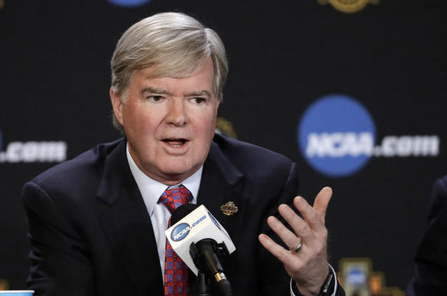A former assistant coach at USC wants NCAA president Mark Emmert deposed in a lawsuit that dates back to 2011 and involves the NCAA's actions amid the Reggie Bush scandal.(AP)