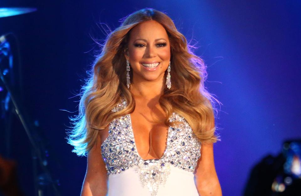 <p>Mariah Carey's estranged older brother sues her for defamation</p> (Getty Images)