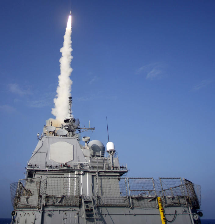 """<span class=""""s1"""">The USS Lake Erie launches a missile at a nonfunctioning satellite as it traveled in space at more than 17,000 mph over the Pacific Ocean in February 2008. (Photo: U.S. Navy via Getty Images)</span>"""