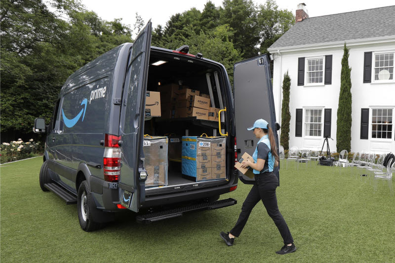 Amazon adding contracted vans to delivery network