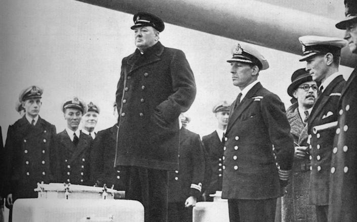 Winston Churchill addressing the crew of HMS. Exeter in 1940 - Hulton Archive