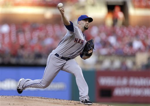 New York Mets starting pitcher Dillon Gee throws during the first inning of a baseball game against the St. Louis Cardinals on Tuesday, May 14, 2013, in St. Louis. (AP Photo/Jeff Roberson)