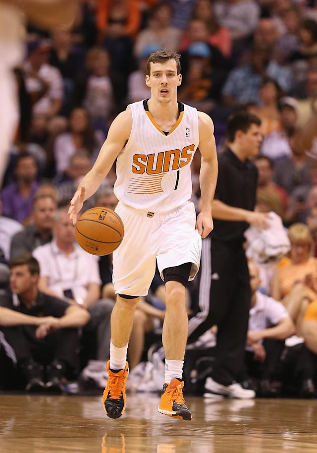 PHOENIX, AZ - APRIL 06: Goran Dragic #1 of the Phoenix Suns handles the ball during the NBA game against the Oklahoma City Thunder at US Airways Center on April 6, 2014 in Phoenix, Arizona. The Suns defeated the Thunder 122-115. (Photo by Christian Petersen/Getty Images)