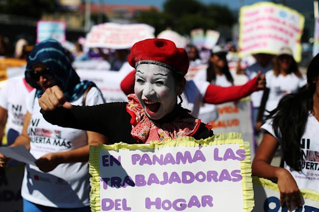 <p>Women participate in a demonstration to commemorate the U.N. International Day for the Elimination of Violence against Women in San Salvador, El Salvador, Nov. 24, 2017. (Photo: Jose Cabezas/Reuters) </p>