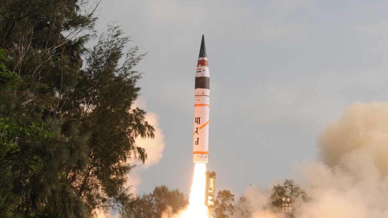 The 5000-km range Agni-V nuclear-capable missile was launched from Kalam Island off Odisha at 9.50 am on 27 March, 2019. Image: Hemant Kumar/Twitter