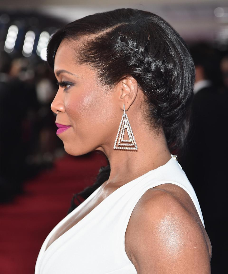 "<h3><strong>Regina King</strong></h3> <br>If you want to dress up your French braid for an evening event, find inspiration in this close-up profile shot of Regina King. Here, her side braid travels behind her ear and ends in beautiful side-swept curls.<span class=""copyright"">Photo: Alberto E. Rodriguez/Getty Images.</span><br>"