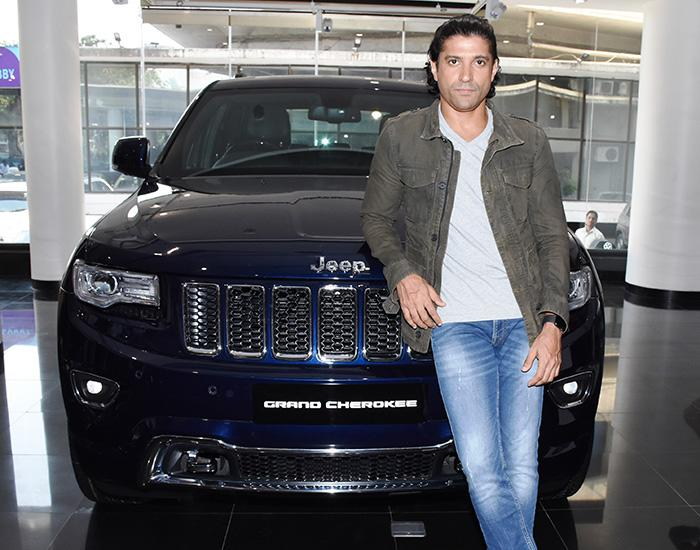 Farhan's SUV is decked up with all the luxury features including a leather finish, a dual panoramic sunroof, rear entertainment system and more.