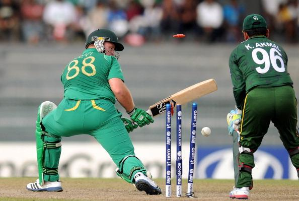 COLOMBO, SRI LANKA - SEPTEMBER 28:   Richard Levi of South Africa is bowled out by Saeed Ajmal of Pakistan during the Super Eight match between Pakistan and South Africa at R. Premadasa Stadium on September 28, 2012 in Colombo, Sri Lanka.  (Photo by Pal Pillai/Getty Images)