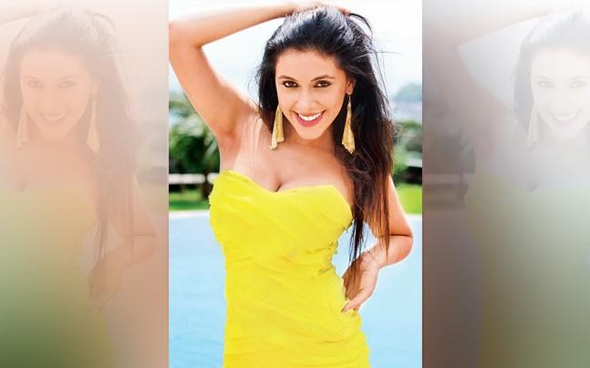 <p>Mansi Dovhal has scripted, directed and co-produced an unusual film, in which she has also acted.</p>