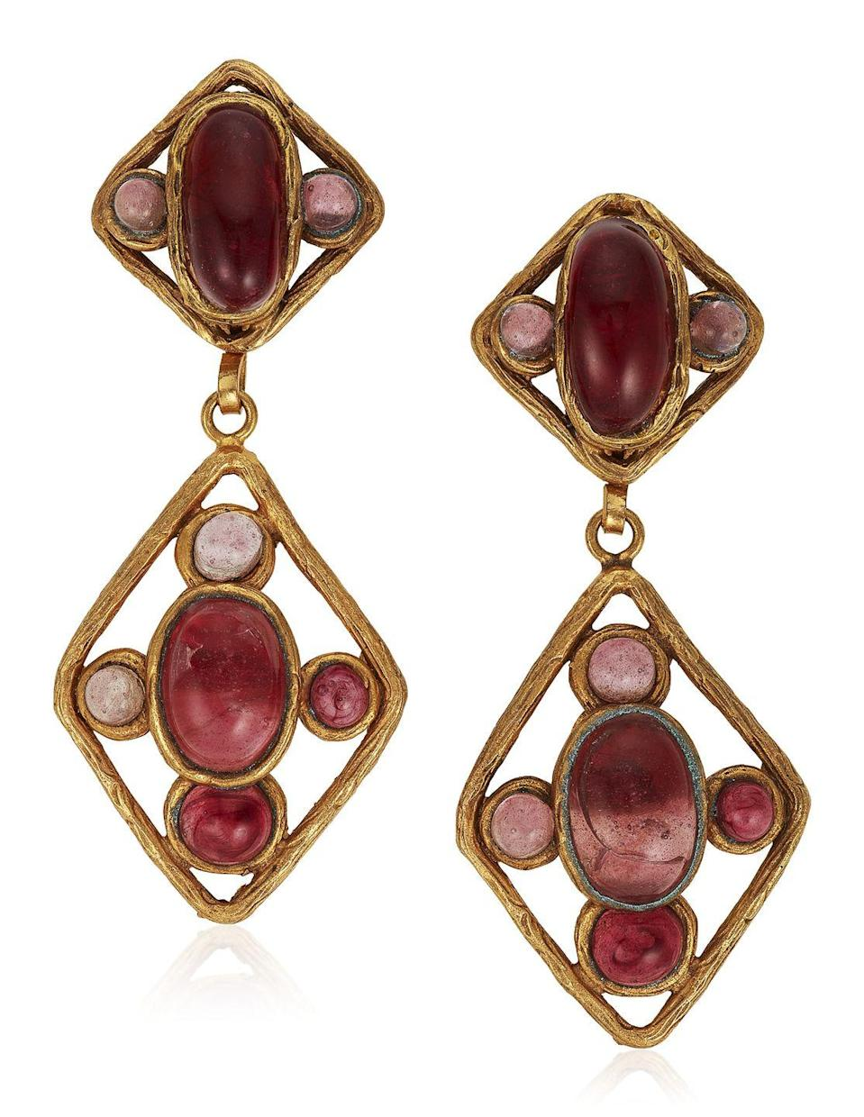 <p>These splendid pink and red earrings are estimated to be worth $500 to $700.</p>