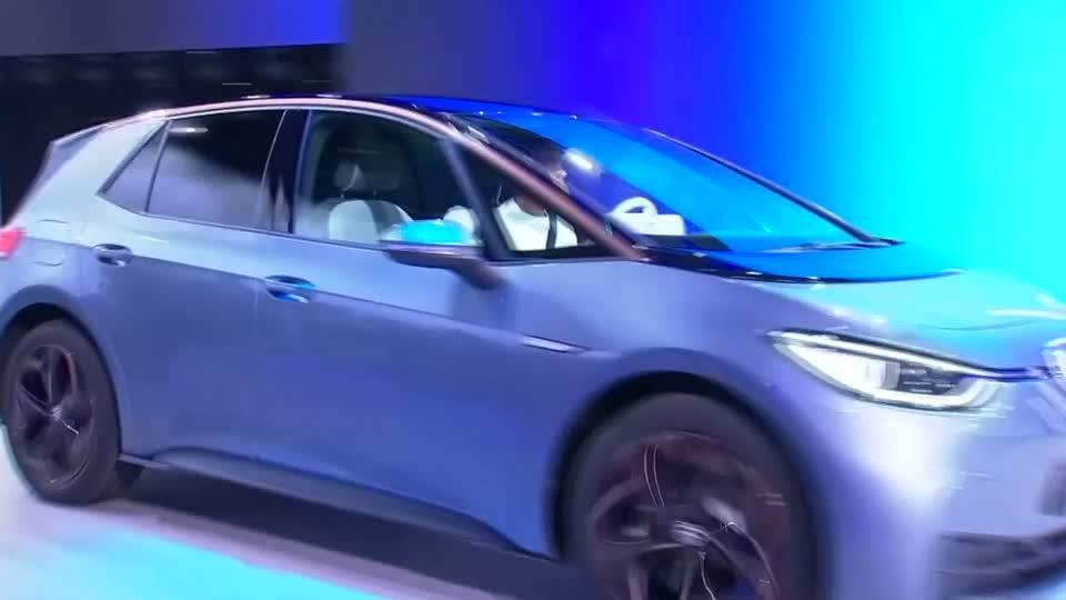 frankfurt-auto-show-goes-electric-but-greens-don-t-buy-it