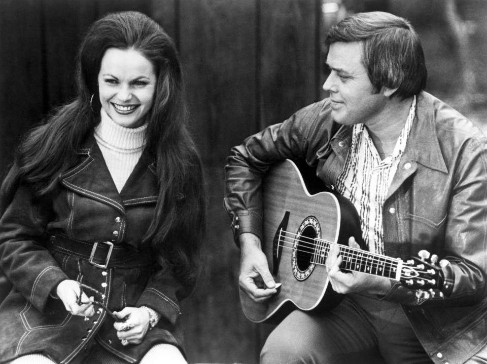 Jeannie C. Riley and Hall in 1974 - Credit: Everett Collection