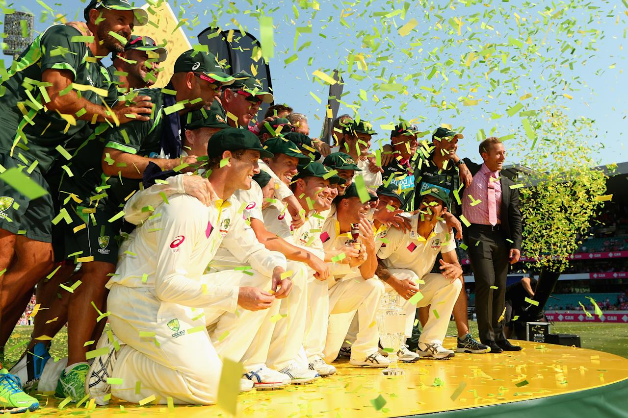 SYDNEY, AUSTRALIA - JANUARY 05:  The Australian team pose after winning the Ashes series 5-0 during day three of the Fifth Ashes Test match between Australia and England at Sydney Cricket Ground on January 5, 2014 in Sydney, Australia.  (Photo by Cameron Spencer/Getty Images)