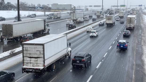 Traffic on a Toronto highway is pictured here in February 2021. The NDP is calling on the Ontario government to cancel plans for a new 400-series highway in the northwest GTA that would cut through York, Peel and Halton regions. (Paul Smith/CBC - image credit)