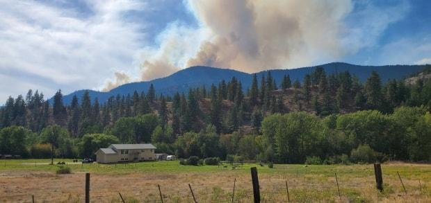 The Hedges Butte wildfire, first reported on Sept. 3, 2021, is seen from the Penticton Indian Band. All evacuation alerts that resulted from the fire have now been lifted. (Chief Greg Gabriel/Penticton Indian Band - image credit)