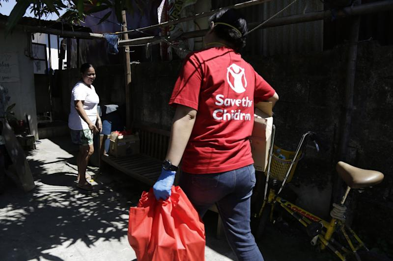 Outreach activity in Navotas. Photo: Save the Children
