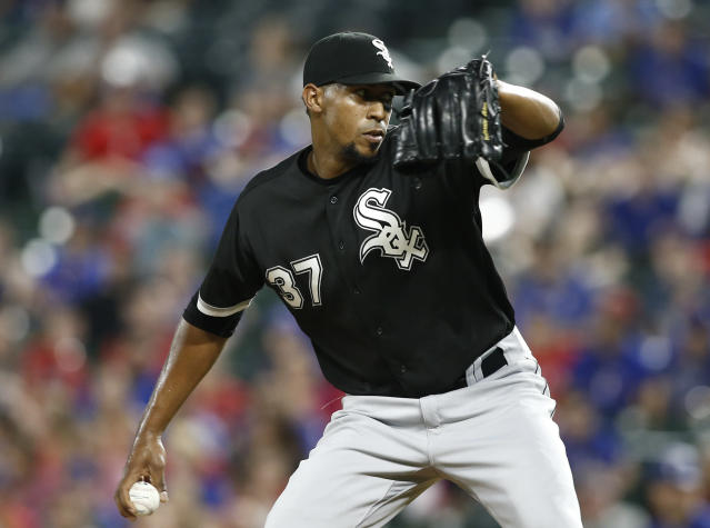 "<a class=""link rapid-noclick-resp"" href=""/mlb/players/10384/"" data-ylk=""slk:Juan Minaya"">Juan Minaya</a> has a ninth-inning heater (AP Photo/Mike Stone)"
