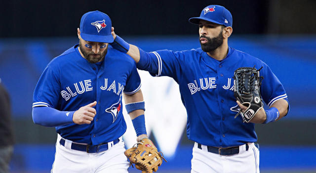 <strong>Kevin Pillar and Jose Bautista have spent thousands of innnings in the outfield together (Aaron Lynett/CP)</strong>