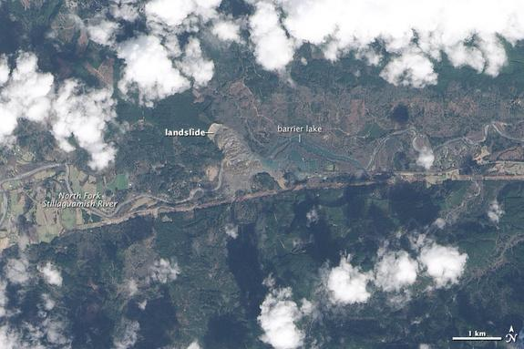 Washington State's Fatal Landslide Seen from Space (Photos)