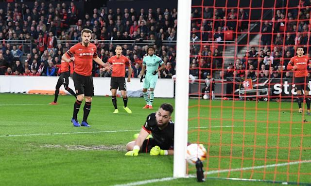 Alex Iwobi cross/shot deceived Rennes goalkeeper Tomas Koubek to give Arsenal an early lead.