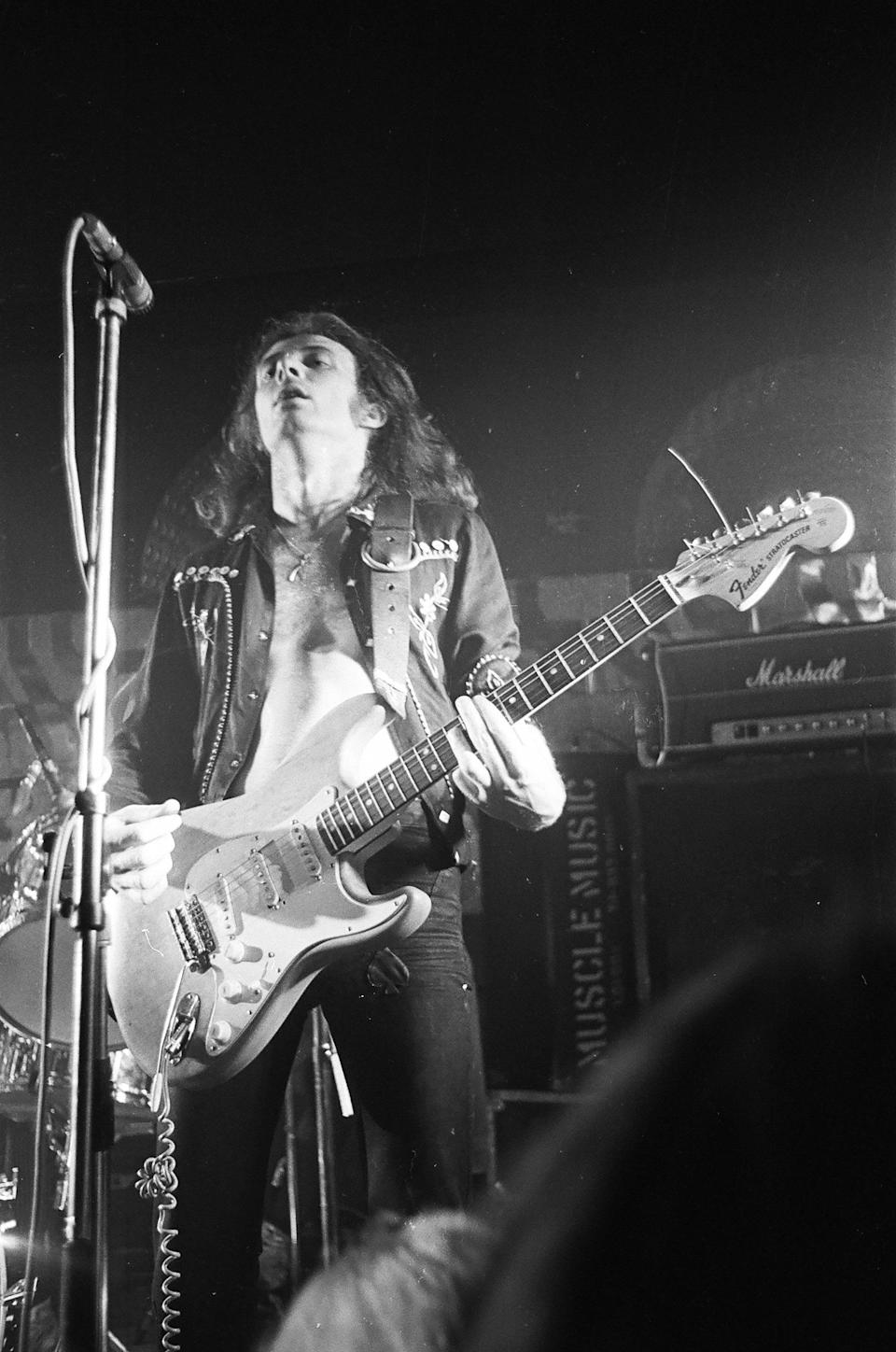 """<strong>Eddie Clarke</strong><br /><strong>Musician (b. 1950)</strong><br /><br />The former Motorhead guitarist, known to fans as 'Fast' Eddie Clarke, <a href=""""http://www.huffingtonpost.co.uk/entry/eddie-clarke-motorhead-dead-dies-guitarist_uk_5a576764e4b03bc4d03e8637"""">died at the age of 67 following a battle with pneumonia</a>.Hejoined the rock band in 1976but left in 1982 following the release of fifth album 'Iron Fist', after he was reportedly unhappy with how that album turned out."""