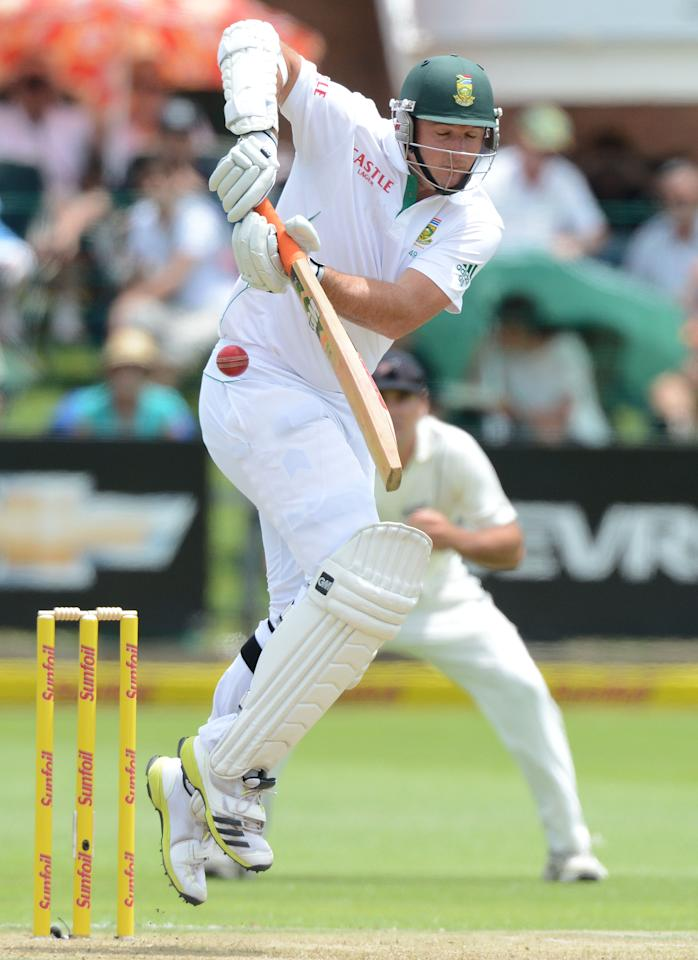 PORT ELIZABETH, SOUTH AFRICA - JANUARY 11: Graeme Smith of South Africa plays off his hips during day 1 of the 2nd Test match between South Africa and New Zealand at Axxess St Georges on January 11, 2013 in Port Elizabeth, South Africa. (Photo by Duif du Toit/Gallo Images/Getty Images)