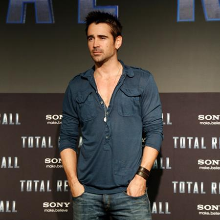 Colin Farrell 'enjoys poetry'