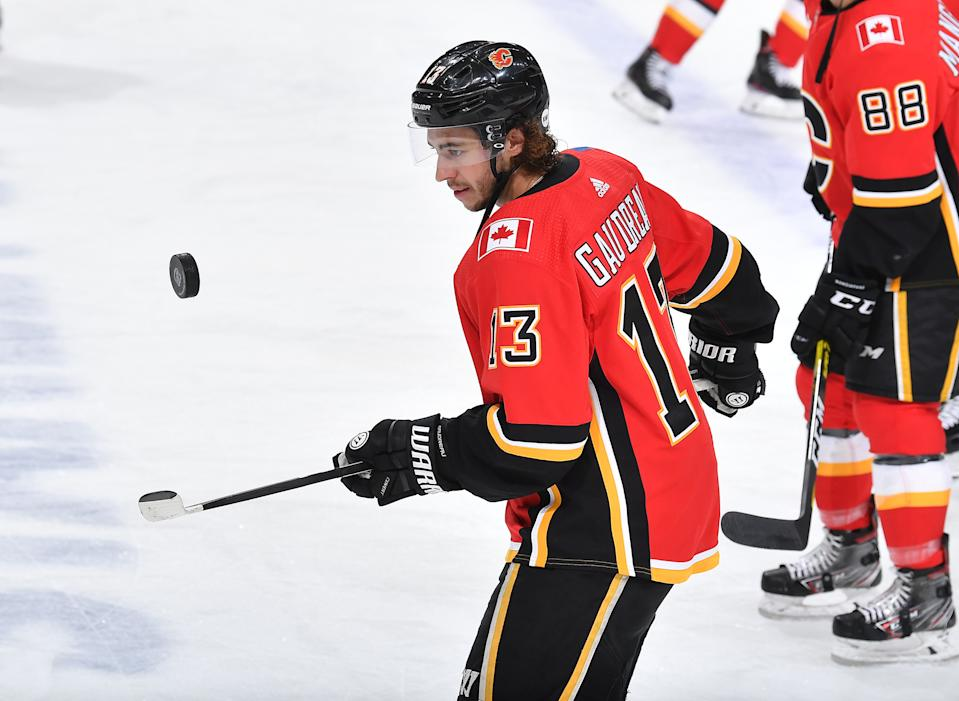 EDMONTON, ALBERTA - AUGUST 16: Johnny Gaudreau #13 of the Calgary Flames warms up before Game Four of the Western Conference First Round of the 2020 NHL Stanley Cup Playoff between the Dallas Stars and the Calgary Flames at Rogers Place on August 16, 2020 in Edmonton, Alberta. (Photo by Andy Devlin/NHLI via Getty Images)