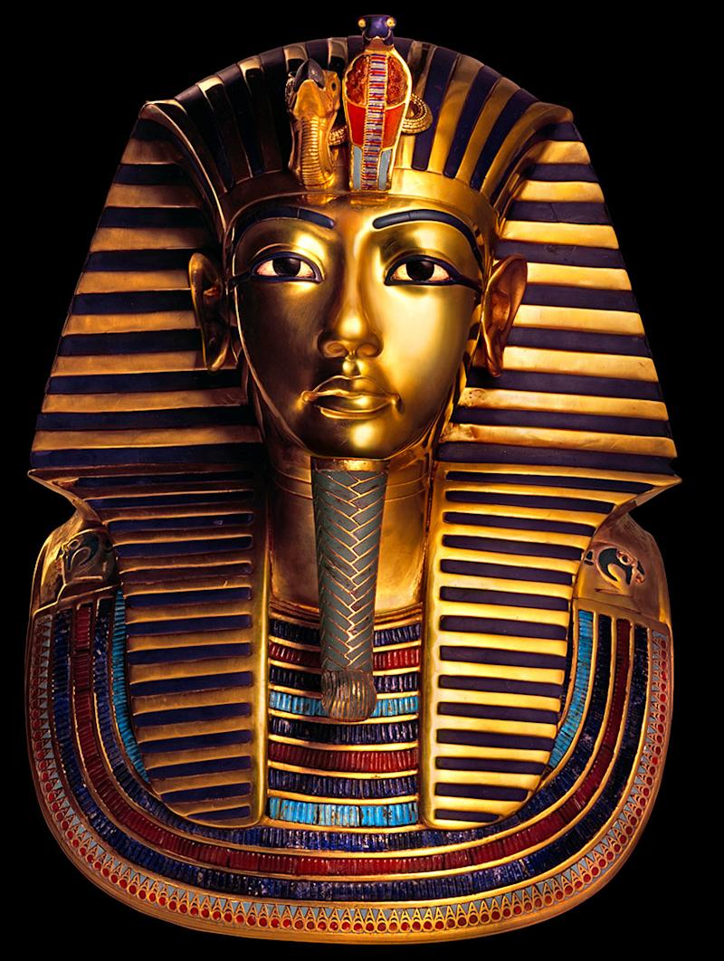 Golden-Mask-of-the-Pharaoh-Tutankhamun