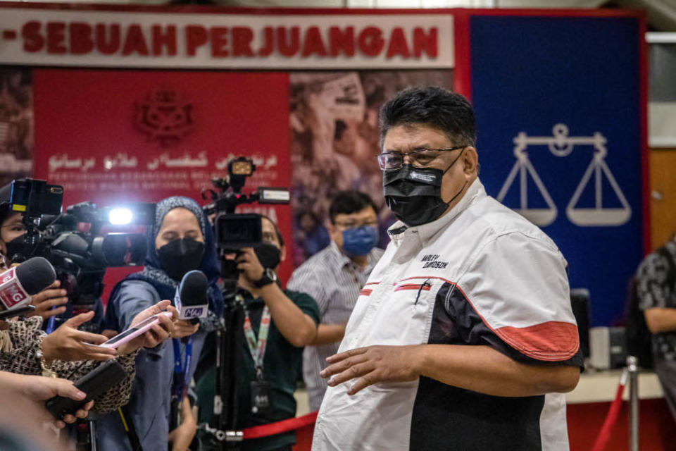 Melaka chapter chief Datuk Seri Ab Rauf Yusoh is pictured at Umno headquarters in Kuala Lumpur, October 14, 2021. — Picture by Firdaus Latif