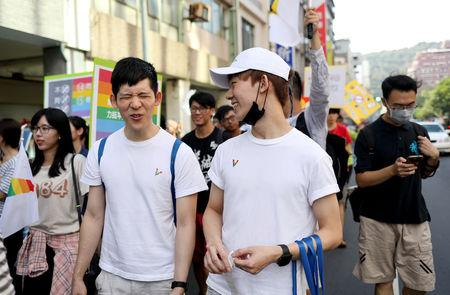 Taiwan voters set to block same-sex marriage in referendum